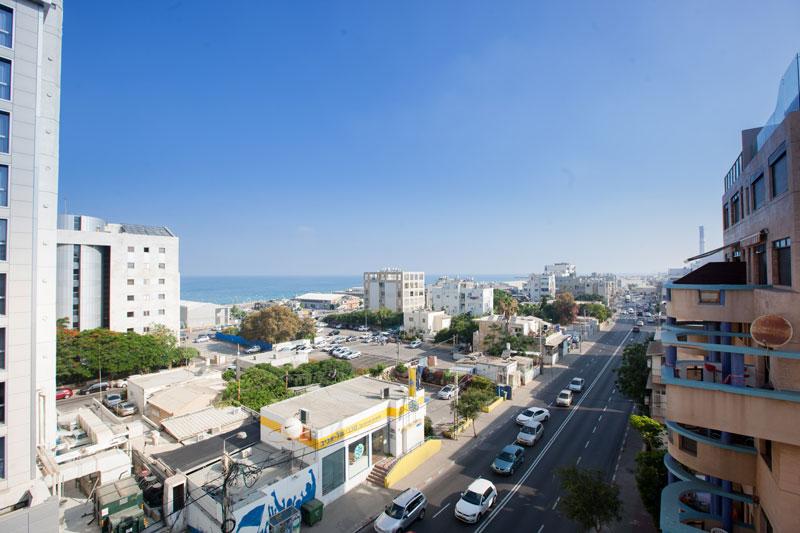 נוף לים ותצפית על תל-אביב מהמלון