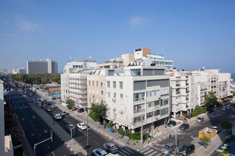 תצפית על תל-אביב מהמלון
